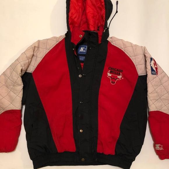 e64b66acc7a97c Vintage starter Chicago bulls puffer jacket. M 5a68ca62a6e3ea9d3ccae00d